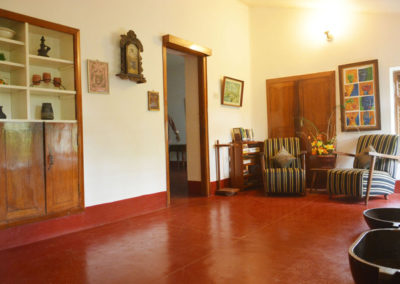 Homestay-riverwoods-hall1